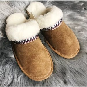 d18988366a8 Muk Luks Dawn Berber Suede Scuff Slippers Native NWT